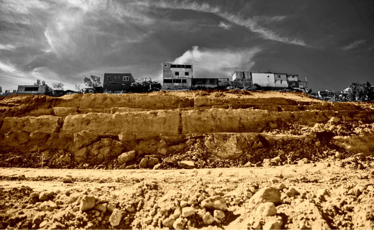 Dan otras cuatro propuestas de vivienda a familias de Lomas del Rubí