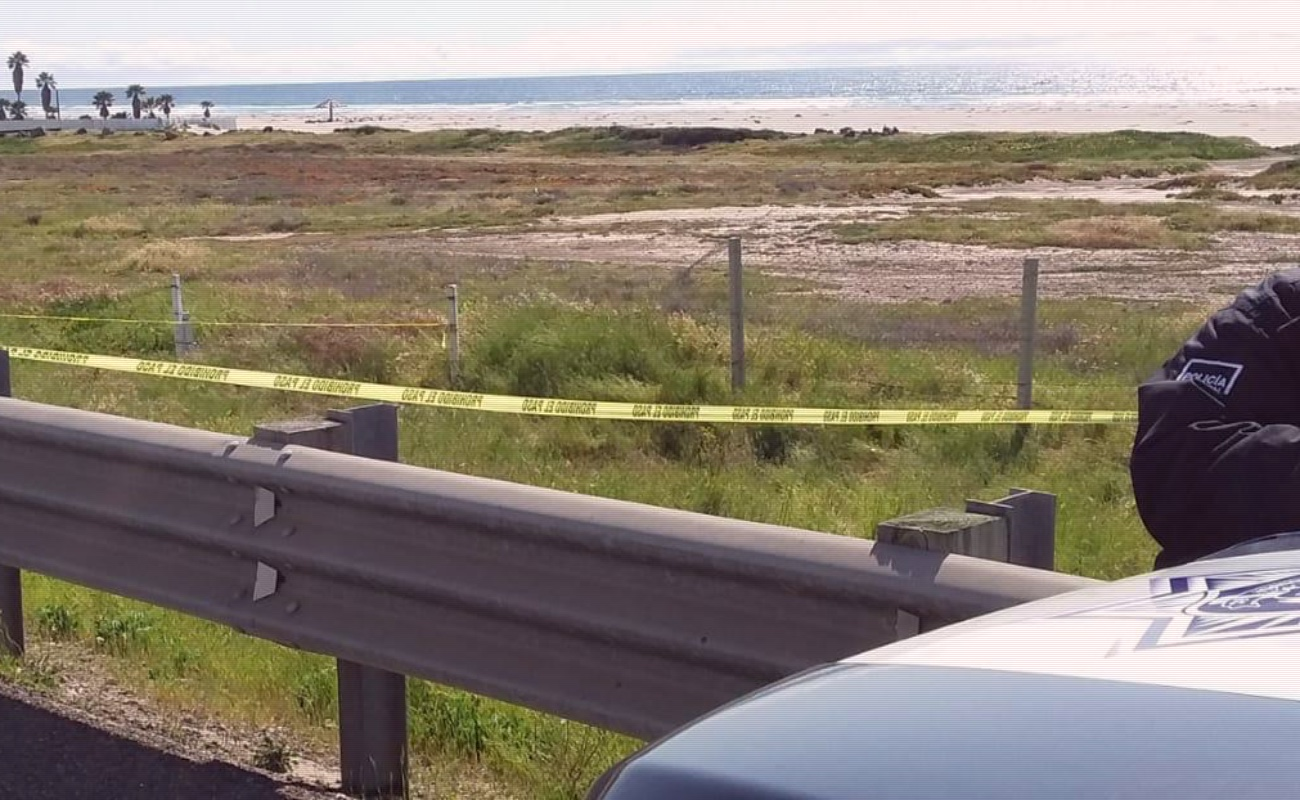 Localizan cadáver putrefacto a un costado de carretera escénica