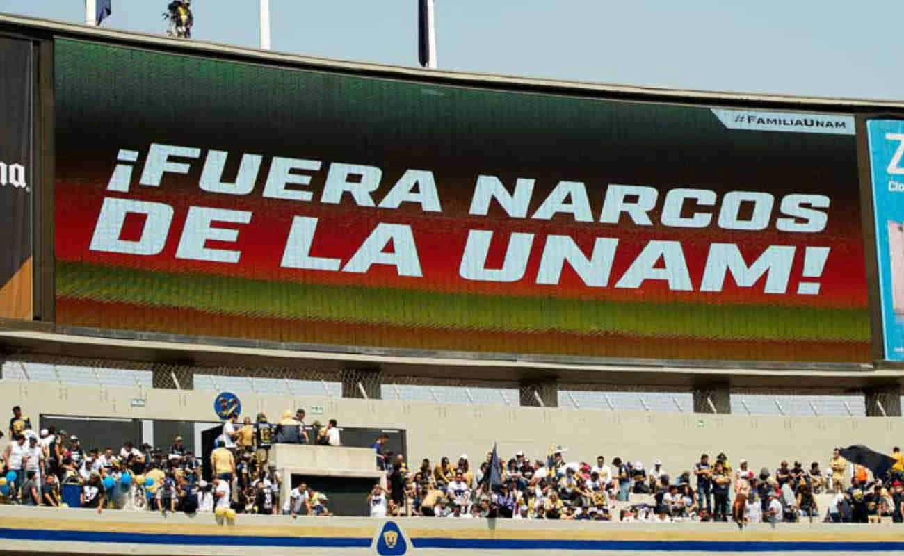 Un mensaje a los Narcos desde el estadio de la UNAM