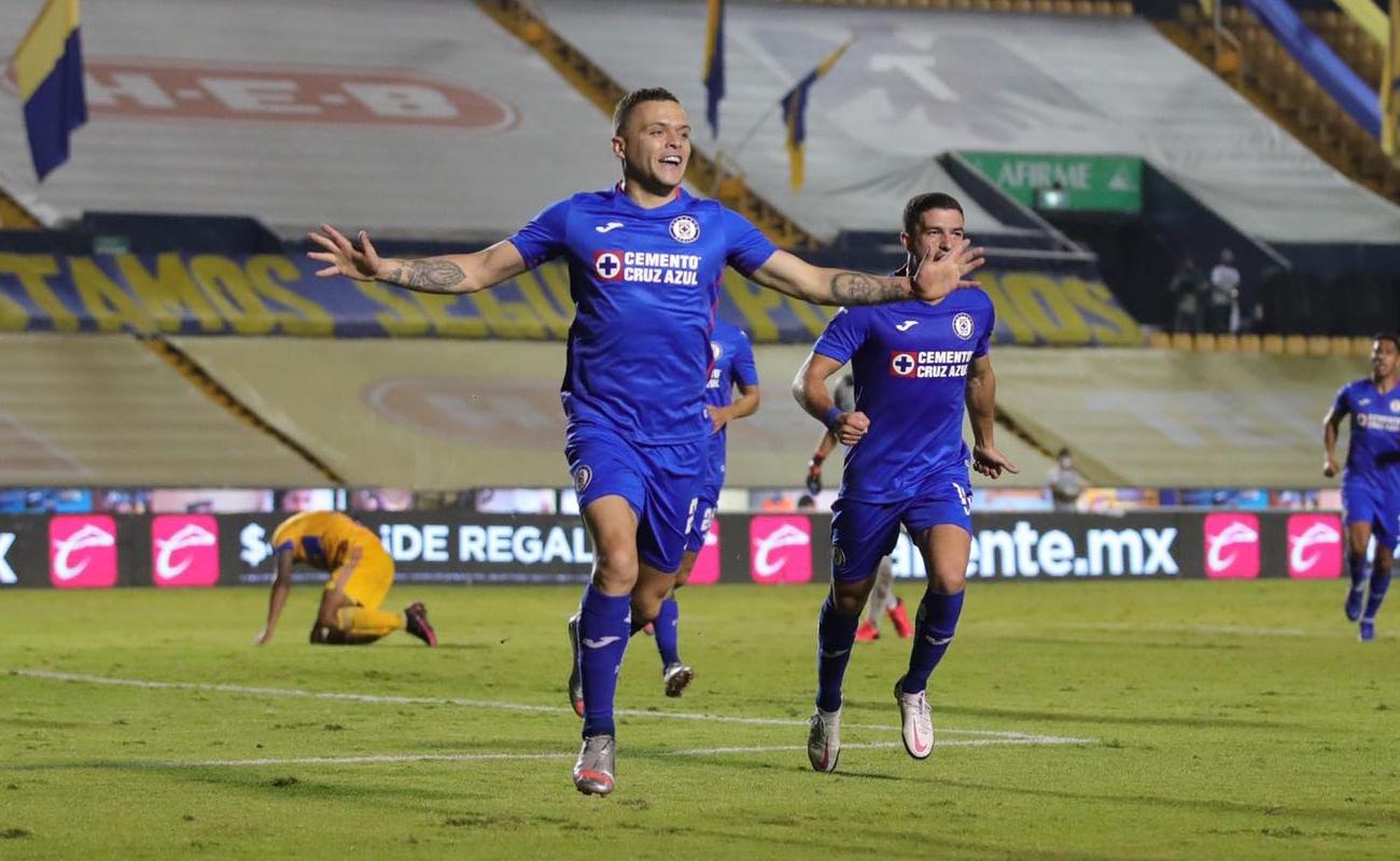 Cruz Azul vence a Tigres y acecha las semifinales de la Liga MX