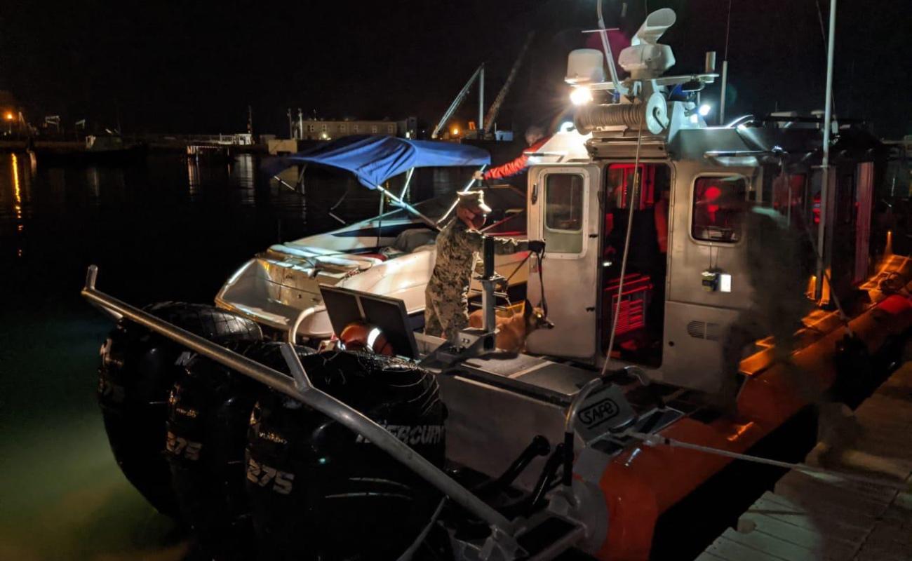 Rescata Marina a 16 mexicanos en embarcación a la deriva