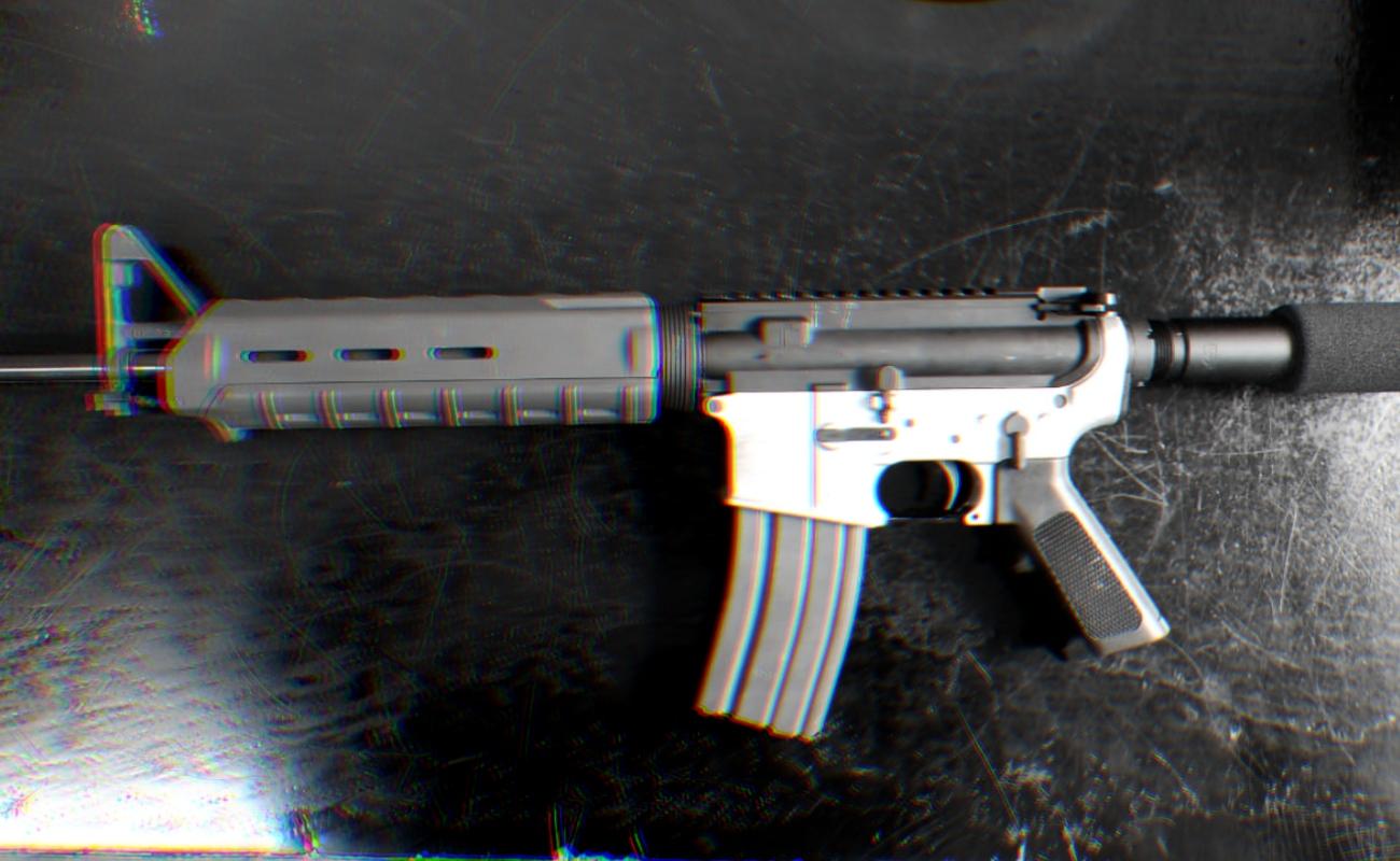 """Detienen a joven en """"La Presa"""" con un fusil de asalto AR-15"""