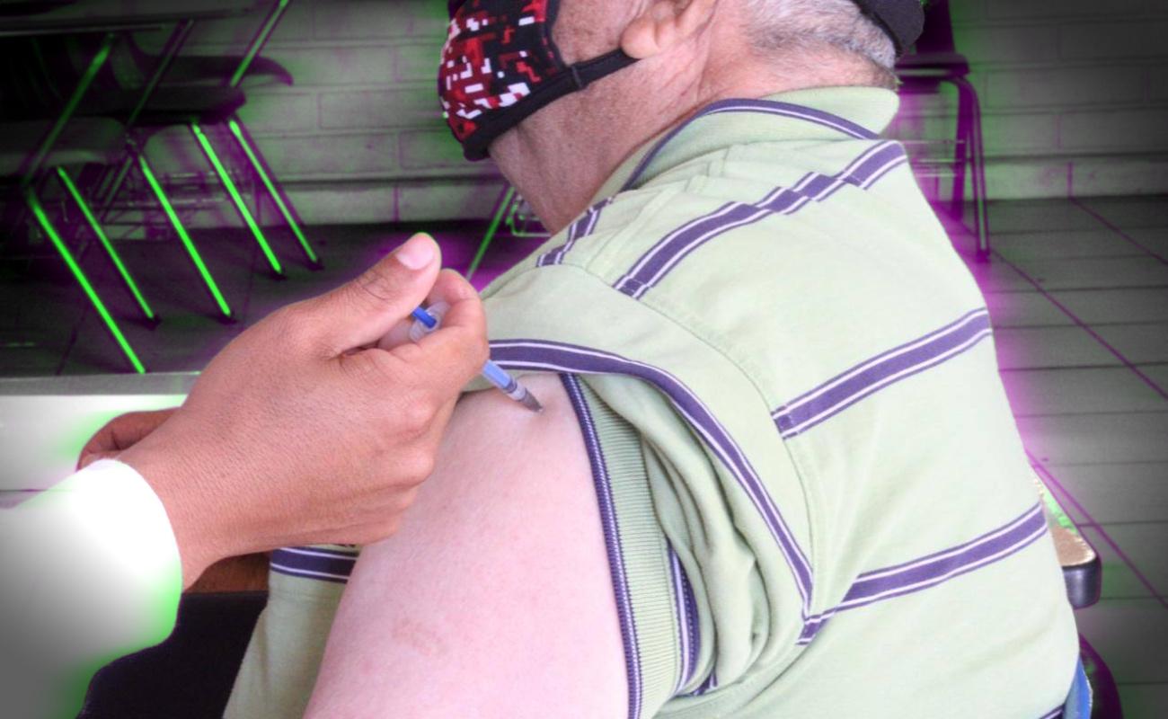 Reportan 15 casos de reacciones leves en adultos mayores vacunados contra Covid