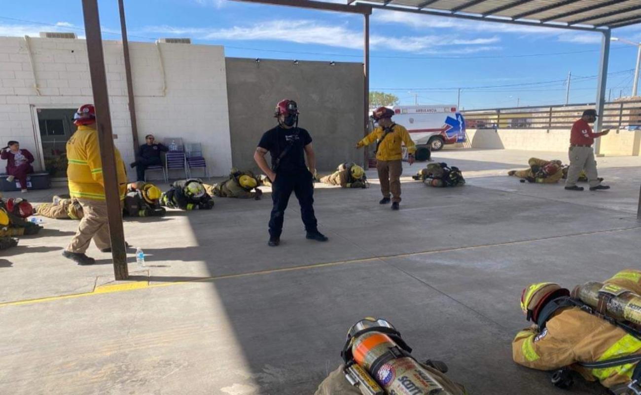Participan bomberos en curso de supervivencia