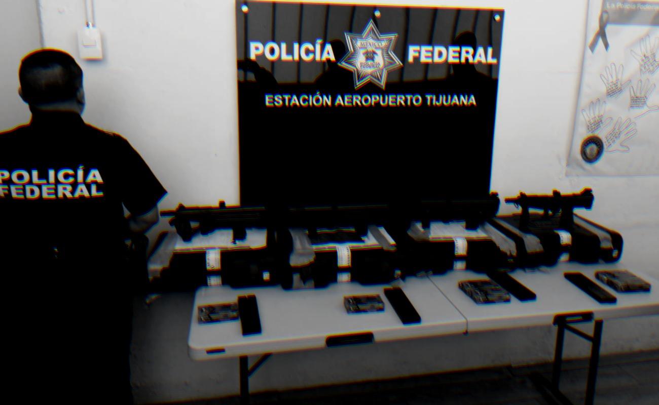 Aseguran cuatro armas largas en el Aeropuerto de Tijuana