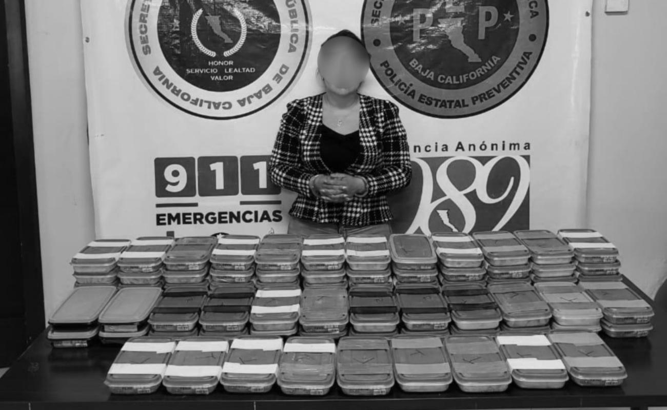 Mujer traía 48 kilos de metanfetamina en tupperwares