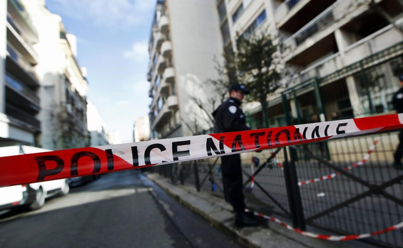 Llega a 10 número de muertos por incendio en edificio de París