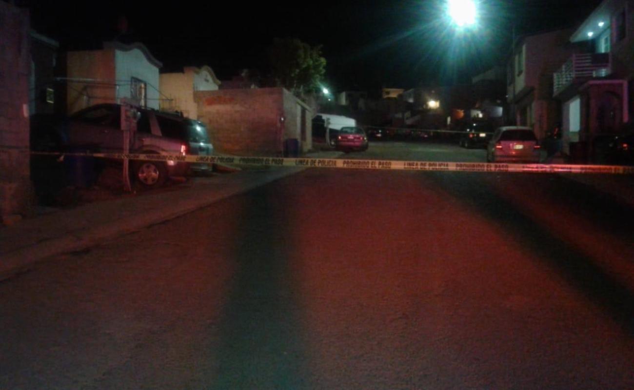 Hallan cadáver de mujer en Puerto Azul de Ensenada; matan a otro en Vista al Sol